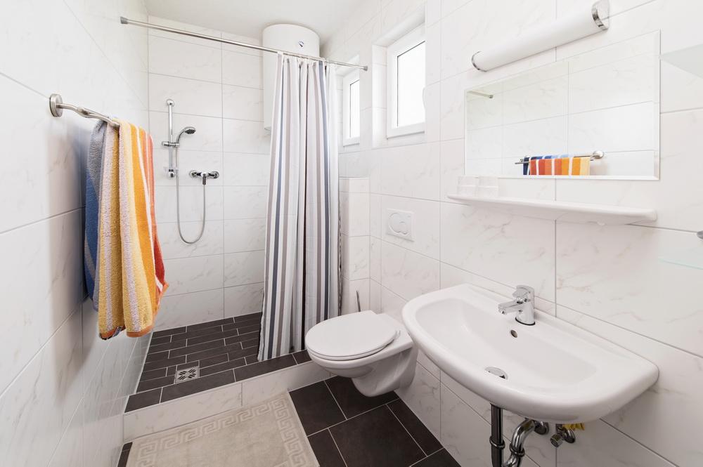 ferienhaus-badezimmer-turnersee-Ilsenhof_04_Zupanc