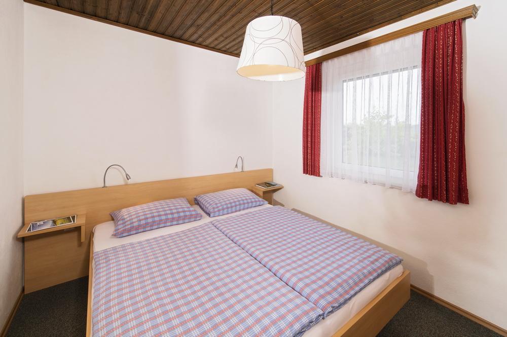 fs16-ferienhaus-komfort-schlafzimmer-Ilsenhof_01_Zupanc